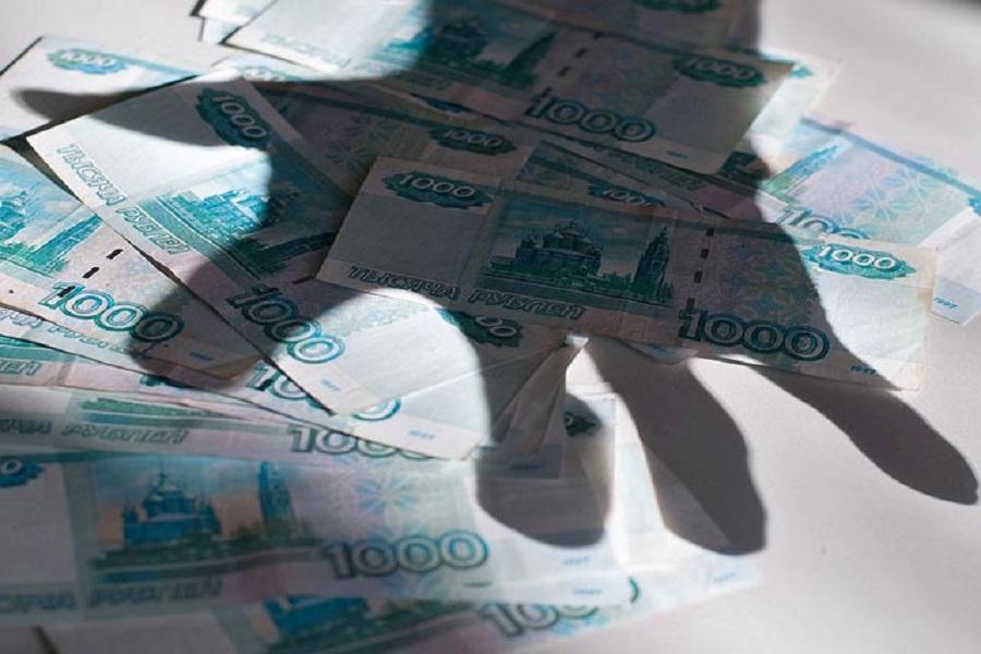 Алексинец похитил из торговой палатки 15 000 рублей