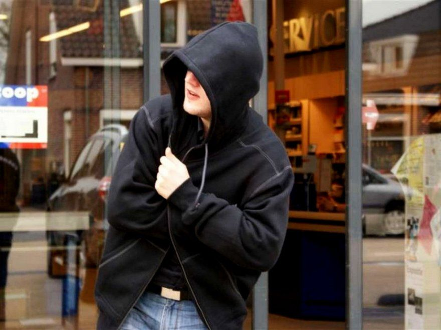 19-летний щекинец украл из магазина продукты питания