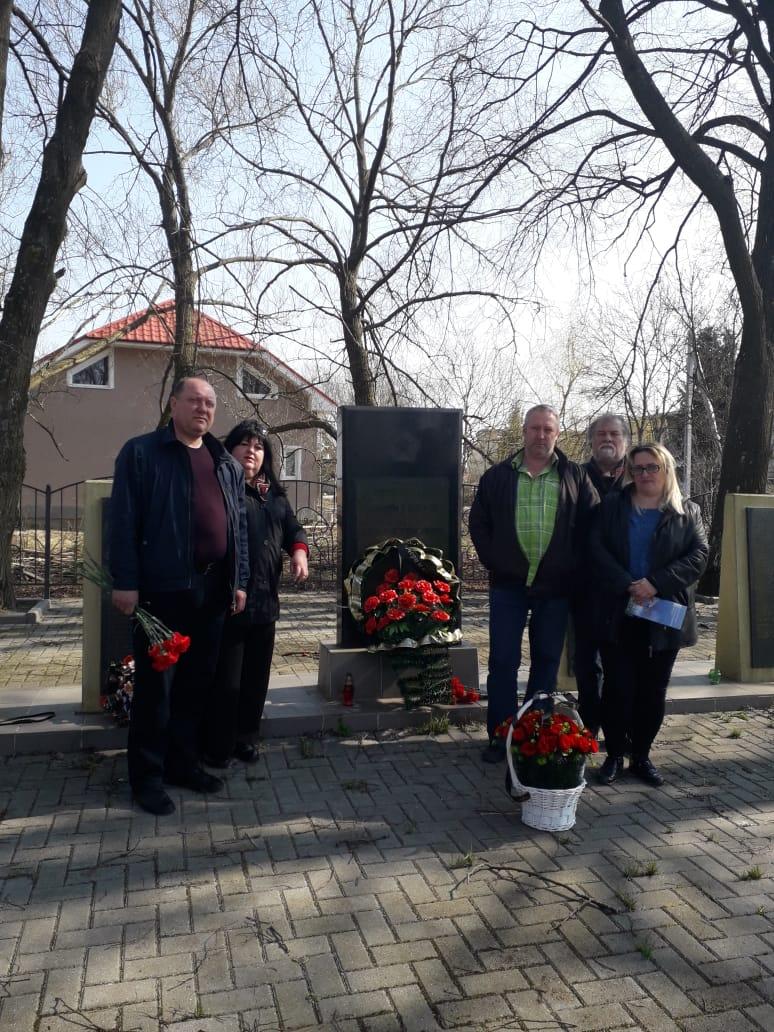 Просто он не вернулся из боя: калужанка доехала до Калининграда, чтобы найти могилу деда