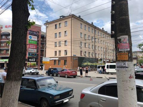На ул. 9 Мая в Туле «Киа» въехала в «Ниву»