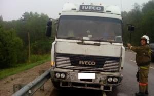 Грузовик Iveko столкнулся с автомобилем Skoda на Киевской трассе