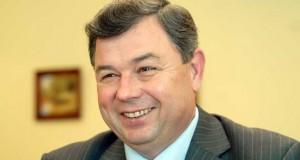 Артамонову - 67: губернатора поздравляют с днём рождения