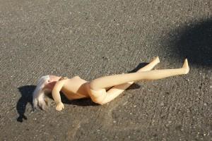 Извращенец на улице показал половые органы восьмилетней девочке