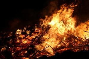 Легковушка сгорела дотла под Перемышлем